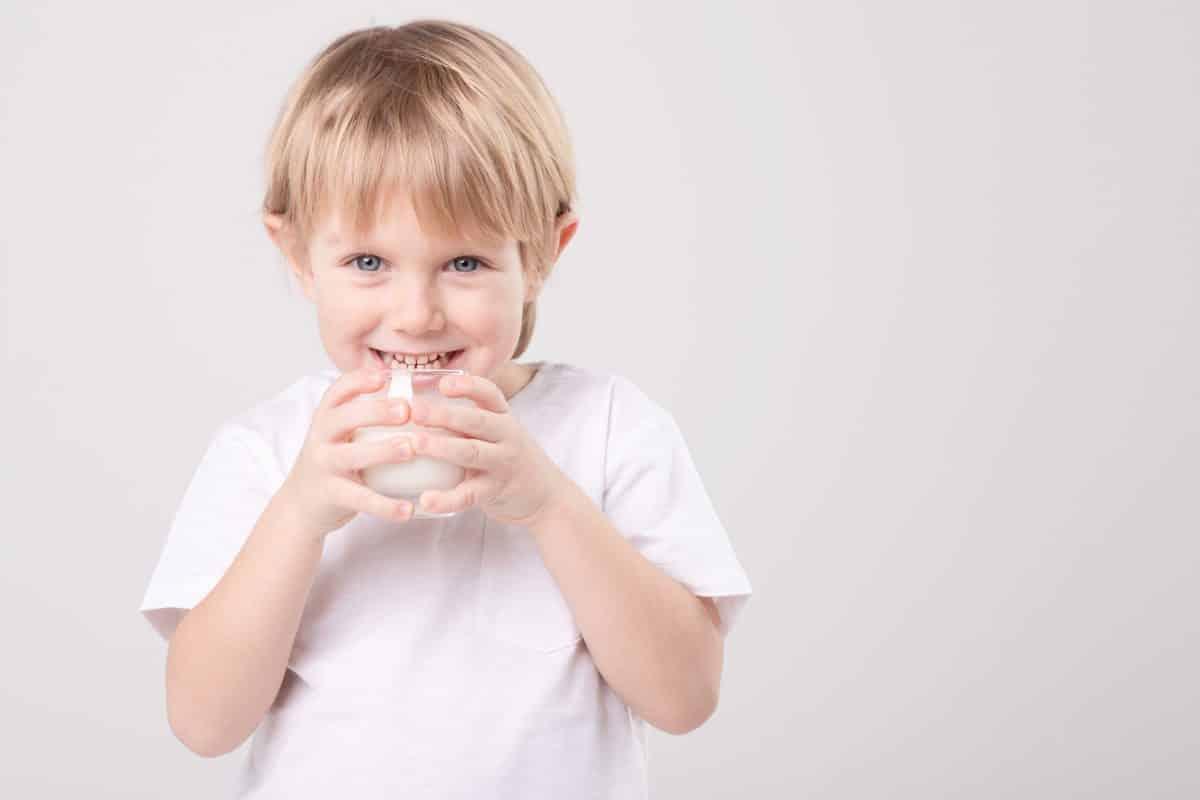 Santé osseuse : les effets bénéfiques des interventions nutritionnelles en milieu scolaire